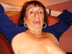 LatinaGrannY Adult Showoff..