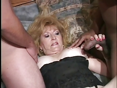 Granny All over Hot Threesome