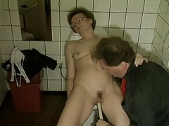 Granny gets off on a Groom