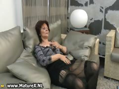 Mature housewife gets horny..