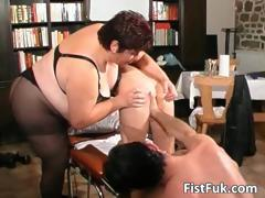 Redhead whore gets her anus..