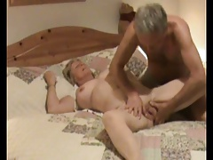 Amateur Couple in hammer..