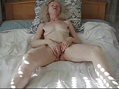 Mediocre old lady masturbation
