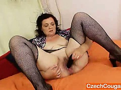 Corpulent czech mommy..