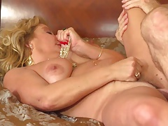 Hot GILF Karen Summer
