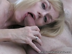 Amateur GILF Fucks Make an..