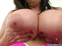 British milf Bee's knees..