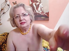 PAWG granny carve on webcam..