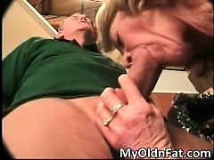 Busty MILF bungle sucking..